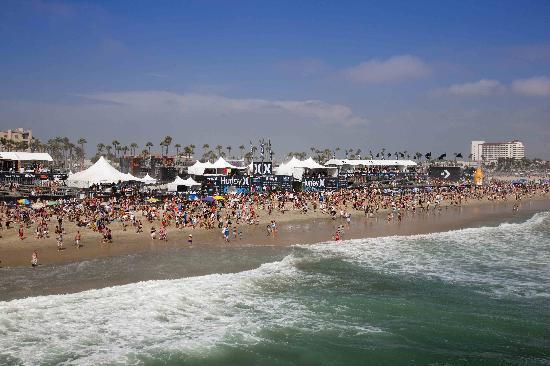 Fun in Huntington Beach California - Trippin Thru California